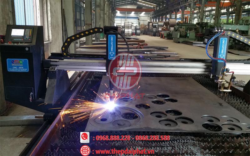 Sử dụng máy CNC tại Thép Đại Phát