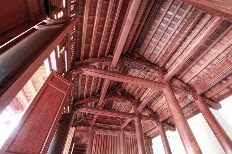 Ảnh nhà gỗ sử dụng xà gồ gỗ